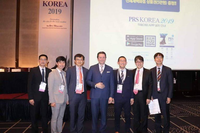 คุณหมอพีระ ได้รับเชิญเป็นวิทยากรบรรยายเกี่ยวกับการเสริมหน้าอก  ในงาน PRS KOREA 2019 ณ ประเทศเกาหลีใต้